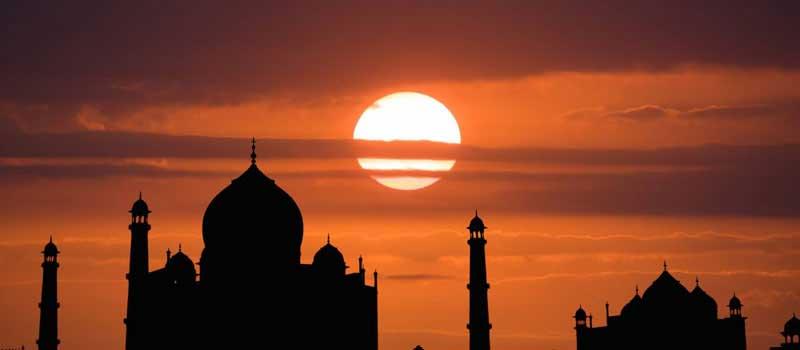 Time to visit Taj Mahal